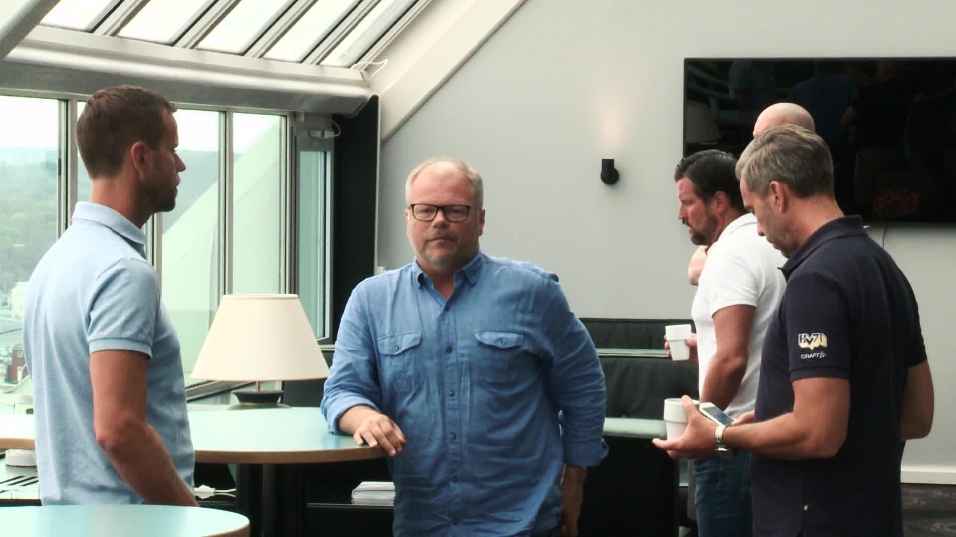Sportcheferna besöker Situationsrummet