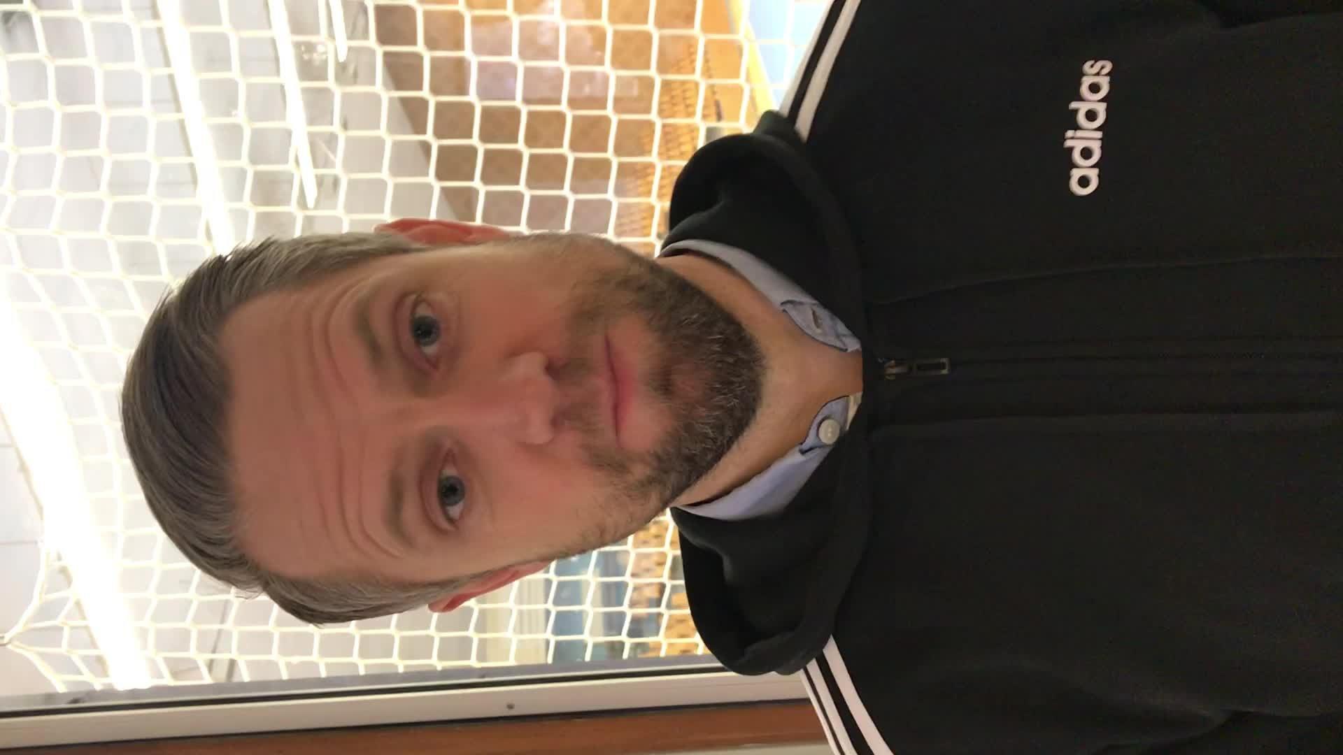 David Gillek på plats i Sporthallen