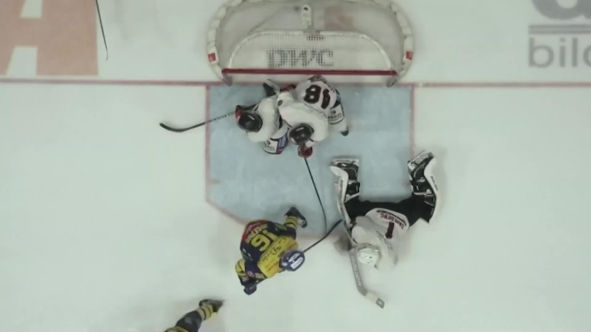 Hockeydommer i 14 år