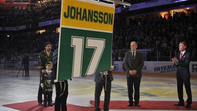 Mathias Johansson #17 i taket