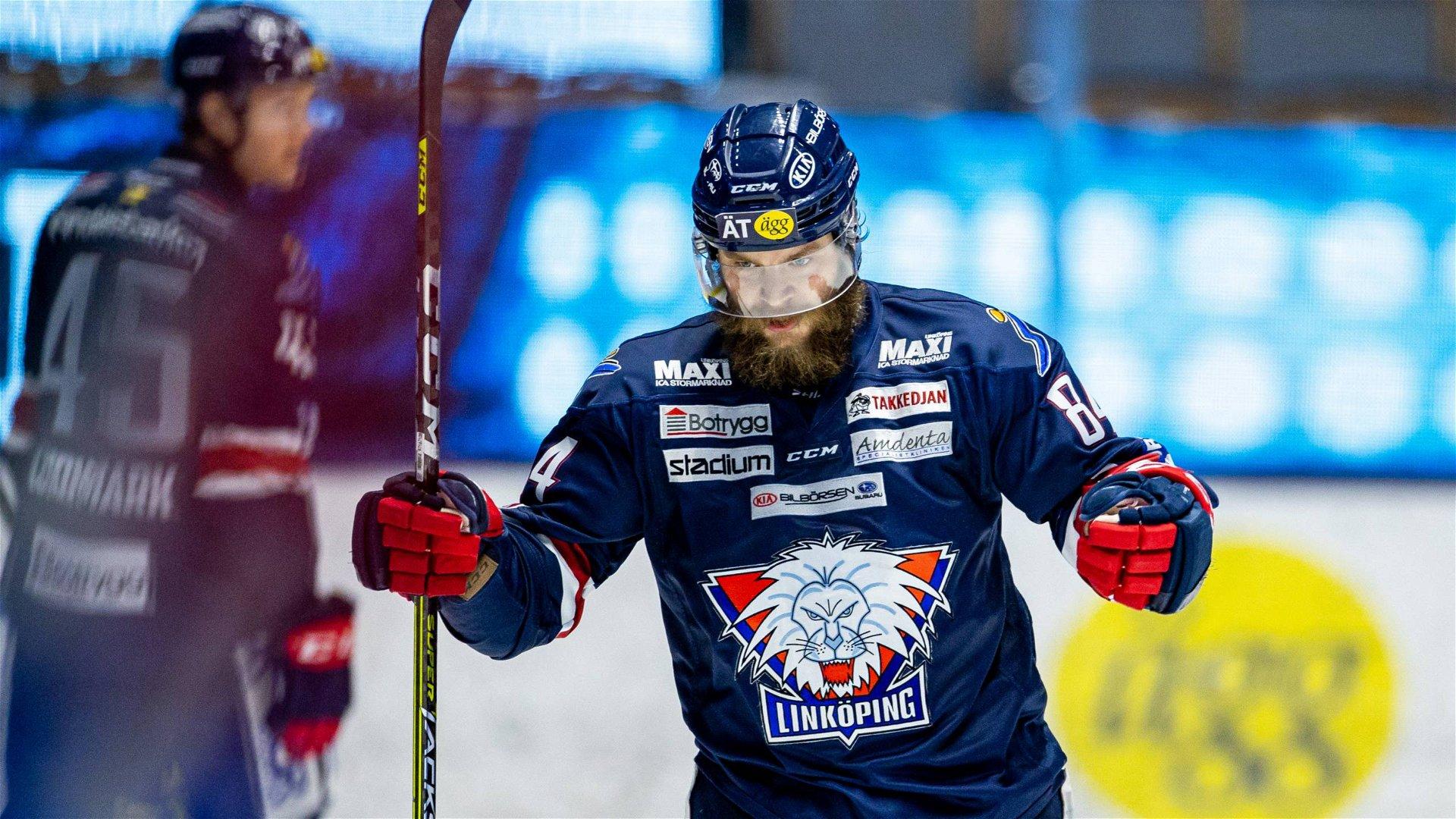 Linköpings Jimmy Andersson knyter nävarna i en segergest